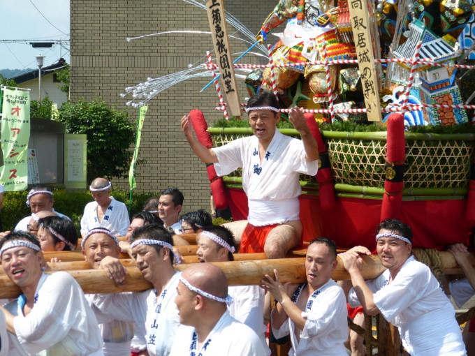 須恵町の山笠で台上がりの宮内